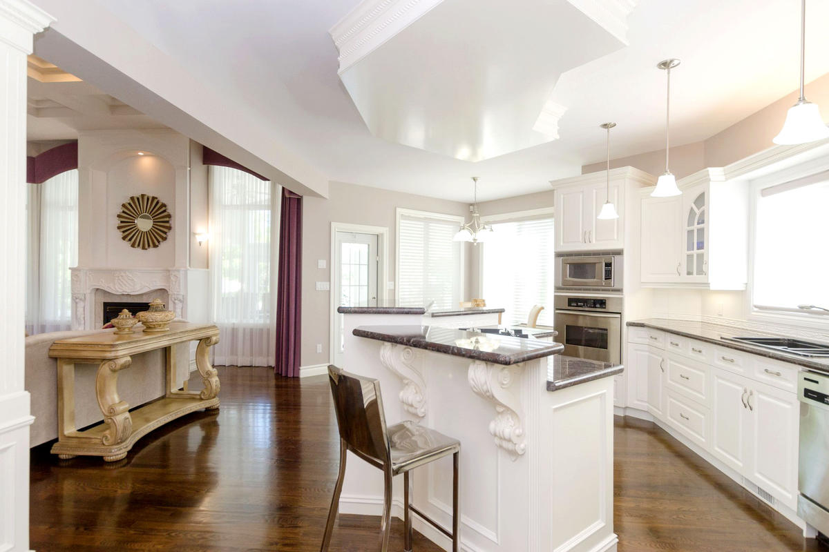 SOLD! - Congratulations! - Magnificence in East St Paul - Impeccable ...