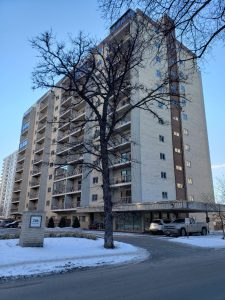 Osborne Village – Affordable 1 Bdrm End Unit Condo with Nice Views & Underground Parking!