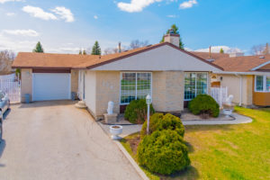Immaculate 3 Bdrm Bungalow with Finished Lower Level – Huge Lot and 2 Garages! The Maples