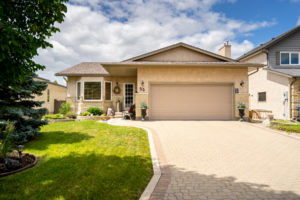 River Grove Gem! Extraordinary Upgraded Bungalow in Picturesque Neighbourhood