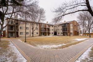 Fabulous Turnkey 2 BDRM Condo! Complete 2021 Renovation-Nice Building with Elevator Service!