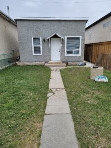 Super Affordable! Investment Property/Rental or 1st Time Buyer Starter Home with Updates! Available ASAP!